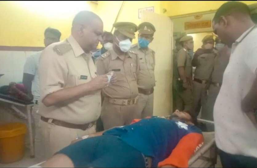 बदमाशों ने पुलिस पर की फायरिंग, पुलिस की जवाबी फायरिंग में एक बदमाश घायल दो फरार