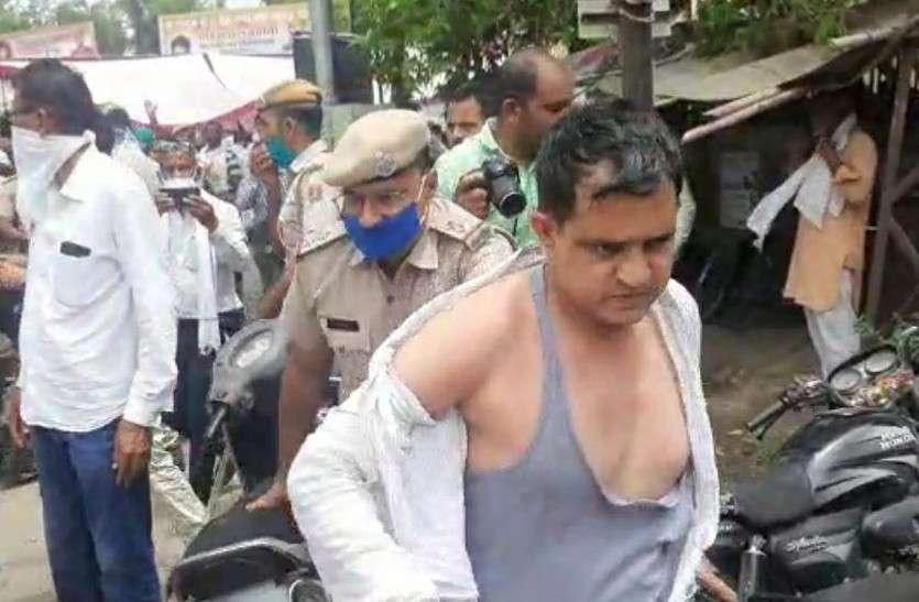 भाजपा एससी मोर्चा के प्रदेशाध्यक्ष मेघवाल के किसानों ने कपड़े फाड़े