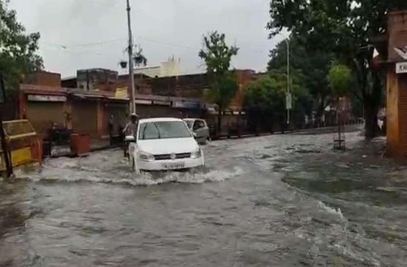 जयपुर में रातभर से मध्यम से तेज बारिश का दौर जारी, मौसम विभाग ने जारी किया अलर्ट