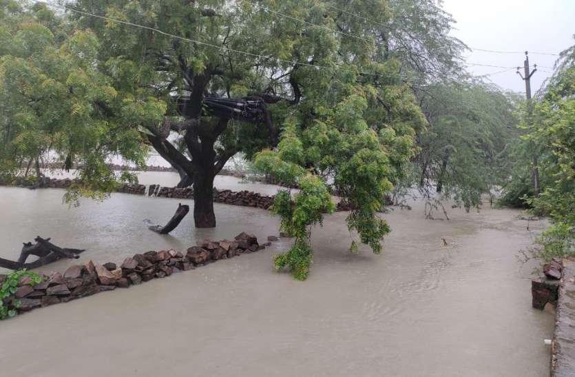 हाड़ौती में भारी बारिश, गांव बने टापू
