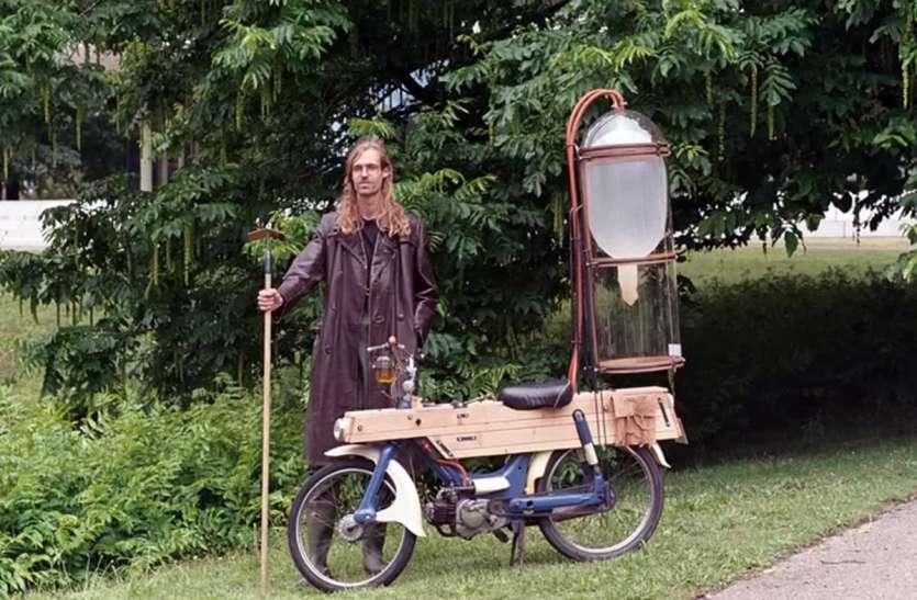 डच इंजीनियर छात्र ने मीथेन से चलने वाली मोपेड बनाई