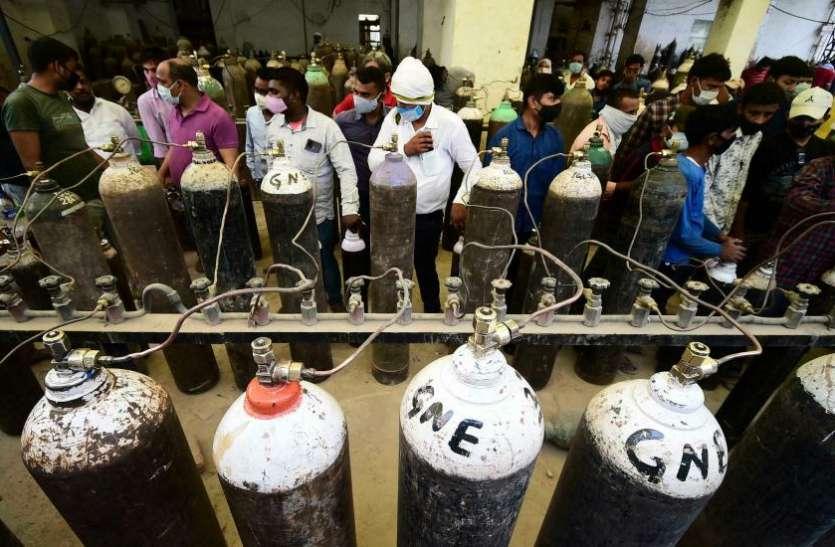 Death Due To Oxygen Shortage: 12 राज्यों ने माना ऑक्सीजन की कमी से नहीं हुई एक भी मौत