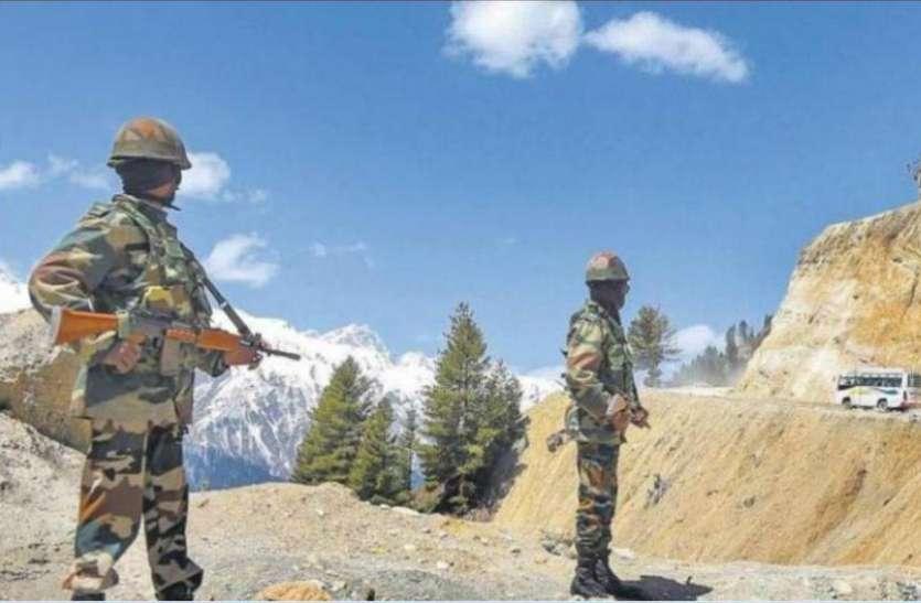 चीन ने LAC पर तैनात किए 50 हजार से अधिक सैनिक, ड्रोन से भारत की गतिविधियों पर बनाए है नजर