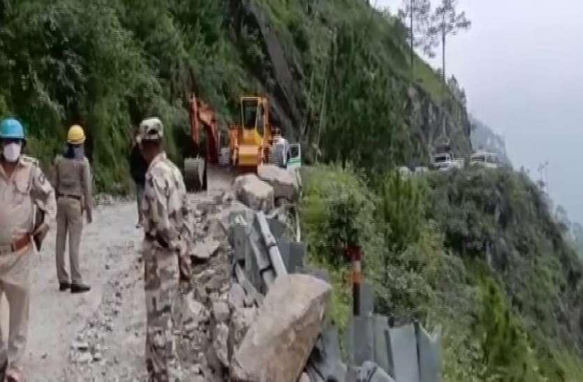 Kinnaur Landslide: रेस्क्यू ऑपरेशन के दौरान मिला बस का मलबा, मरने वालों की संख्या हुई 13