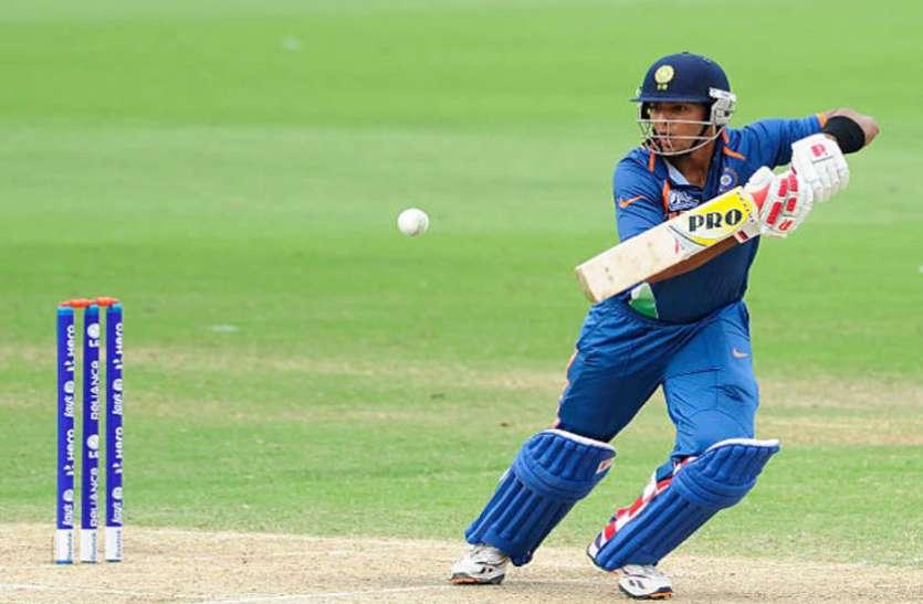 भारत छोड़ अमरीका के लिए खेलने वाले उनमुक्त चंद डेब्यू मैच में 0 रन पर हुए क्लीन बोल्ड, देखें वीडियो