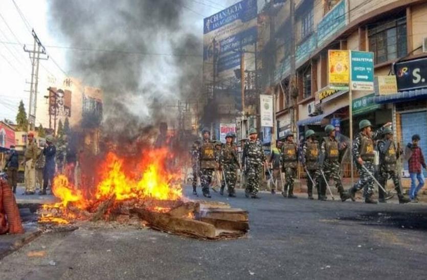 मेघालय में हिंसा के बाद सीएम के घर पर पेट्रोल बम से हमला, गृह मंत्री लखन रिंबुई ने  दिया इस्तीफा