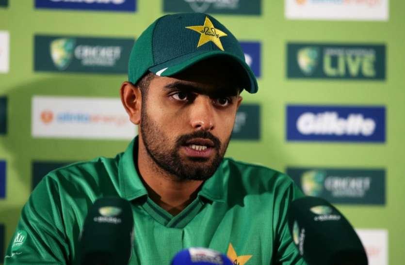 T20 World Cup 2021 : चीफ सेलेक्टर से भिड़े कप्तान बाबर आजम, शोएब मलिक को टीम में शामिल करने पर अड़े