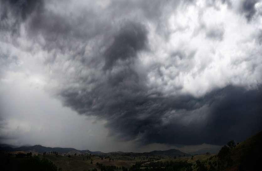 Gujarat Hindi News :  थमने के बाद फिर जमके बरसा बदरा, सौराष्ट्र पर बादलों का जमघट