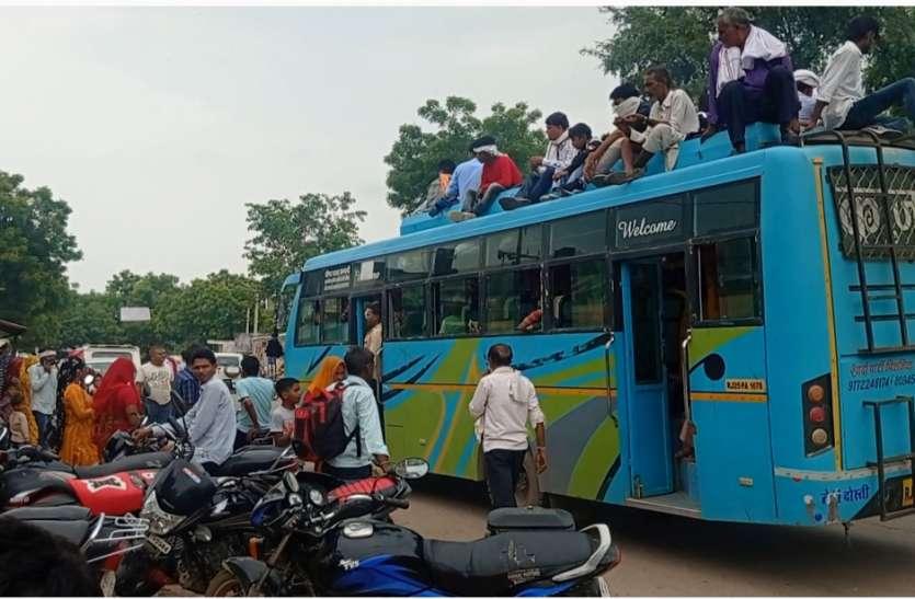रक्षाबंधन का त्योहार, रोडवेज बसों में रही भीड़