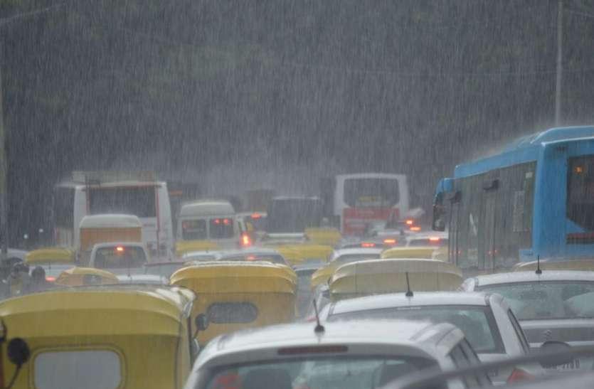 राज्य में किसानों को बरसात का इंतजार