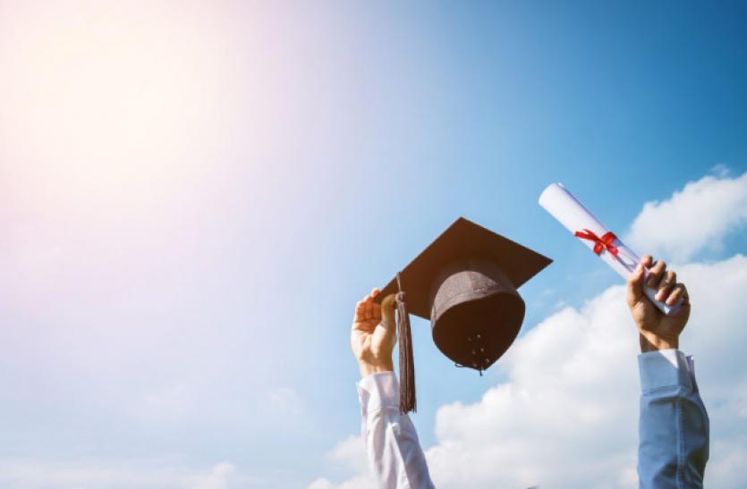 परंपरागत कॉलेज खुले, लेकिन इंजीनियरिंग के लिए कोई निर्णय नहीं