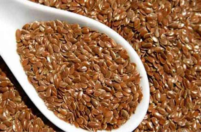 Health Tips: रोजाना 2 चम्मच अलसी का सेवन सेहत के लिए है बेहद फायदेमंद