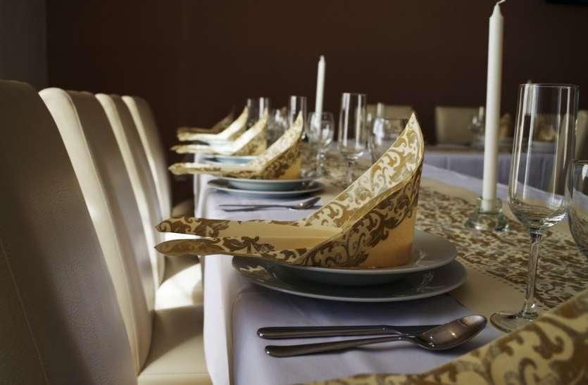 Dining Etiquette Do's And Don'ts: कहीं आपको भी तो नहीं होना पड़ता है शर्मिंदा