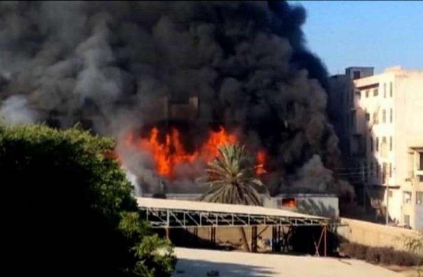 Pakistan: कराची के केमिकल फैक्ट्री में भीषण आग, 15 जिंदा जले