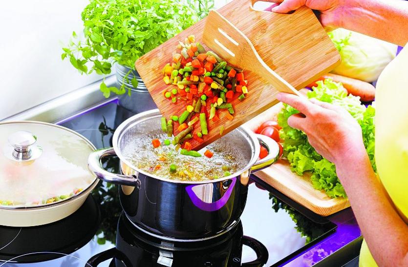 Health Tips: सेहतमंद बने रहने के लिए रोज खाएं उबली सब्जियां