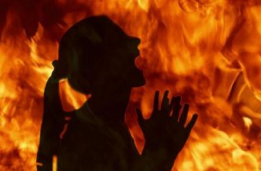 UP Prasangvash: यूपी में बढ़ते आत्मदाह के मामलों की चिंता आखिर किसको?