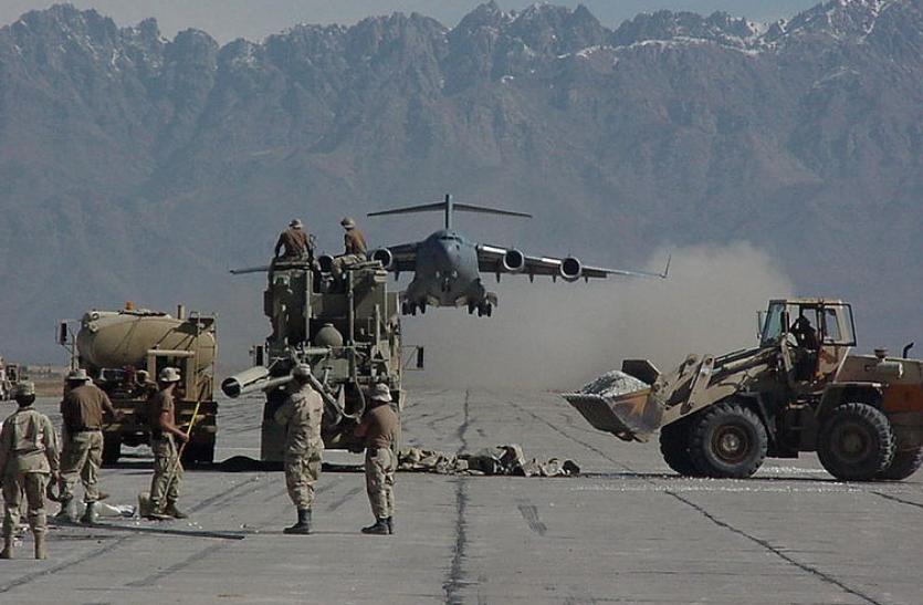 Taliban News: बगराम एयरबेस को कब्जे में लेने की कोशिश कर रहा है चीन, भारत की बढ़ सकती है मुश्किलें