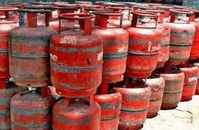 LPG cylinder सब्सिडी को लेकर सरकार बना रही नई योजना, जानिए किसके खाते में आएंगे पैसे?