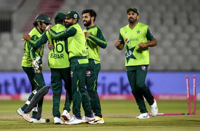पाकिस्तान ने टी20 विश्व कप के लिए घोषित की 15 सदस्यीय टीम, पूर्व कप्तान को नहीं मिली जगह