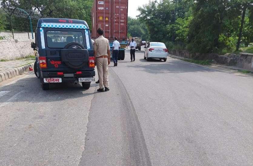 रफ्तार का कहर: बाइक चालक को 50 मीटर तक घसीट ले गया डंपर, मौके पर ही मौत