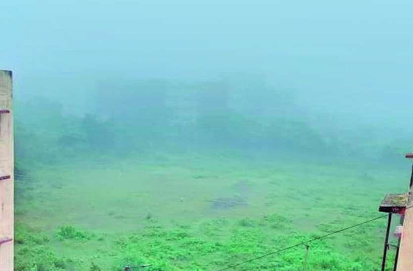 बारिश की विदाई के संकेत, भोपाल में छाया घना कोहरा
