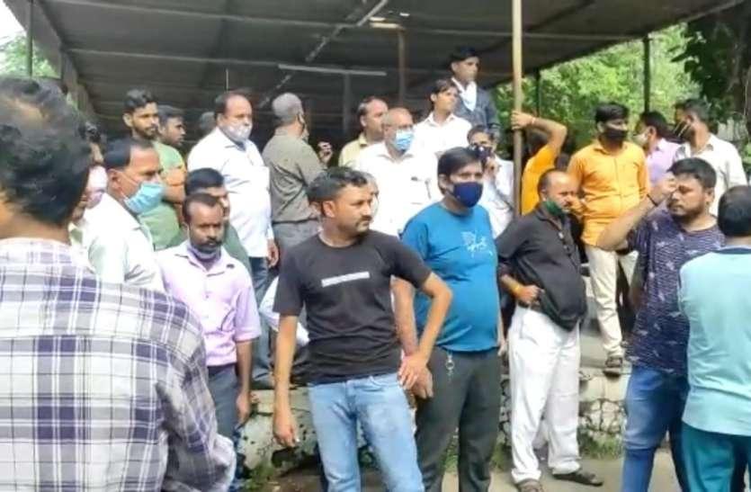 डी स्टाफ पुलिस की पिटाई के बाद हीरा कारखाने के चौकीदार की मौत!