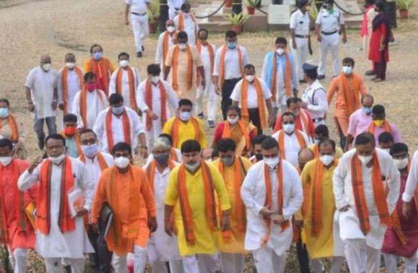 West Bengal: अर्जुन सिंह के घर पर हुए हमले के बाद केंद्र सरकार का बड़ा फैसला, BJP के 61 नेताओं की सुरक्षा हटाई