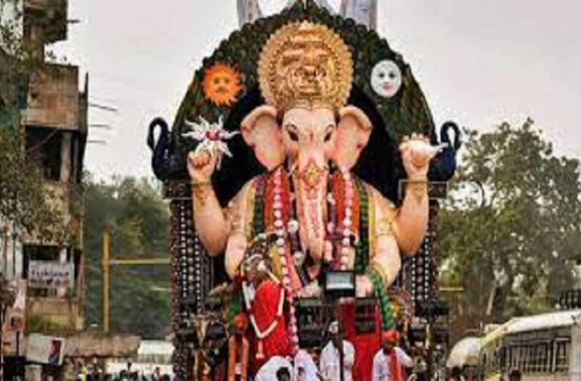 Ganesh Chaturthi 2021: मुंबई में धारा 144 के बावजूद दिखी भीड़, मेयर ने लोगों से की अपील