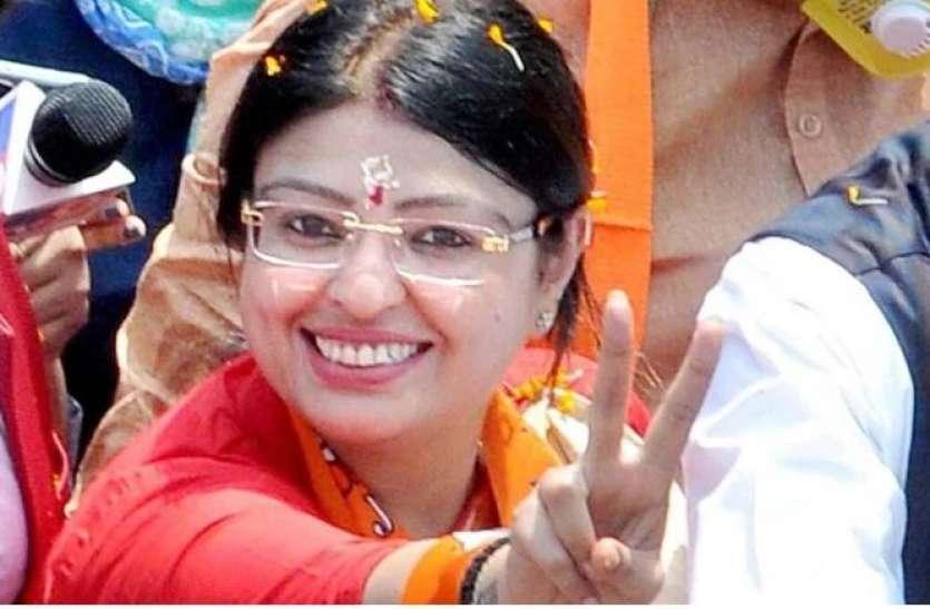 West Bengal By Election: BJP ने ममता के खिलाफ खेला महिला कार्ड, जानिए किसको बनाया भवानीपुर से प्रत्याशी