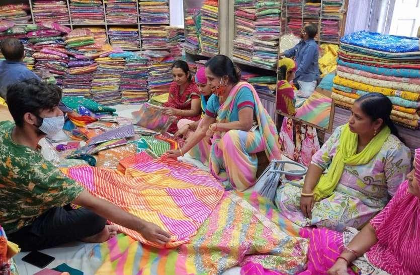 चुनौतियों को मात दे आगे बढ़ रहा कपड़ा व्यवसाय