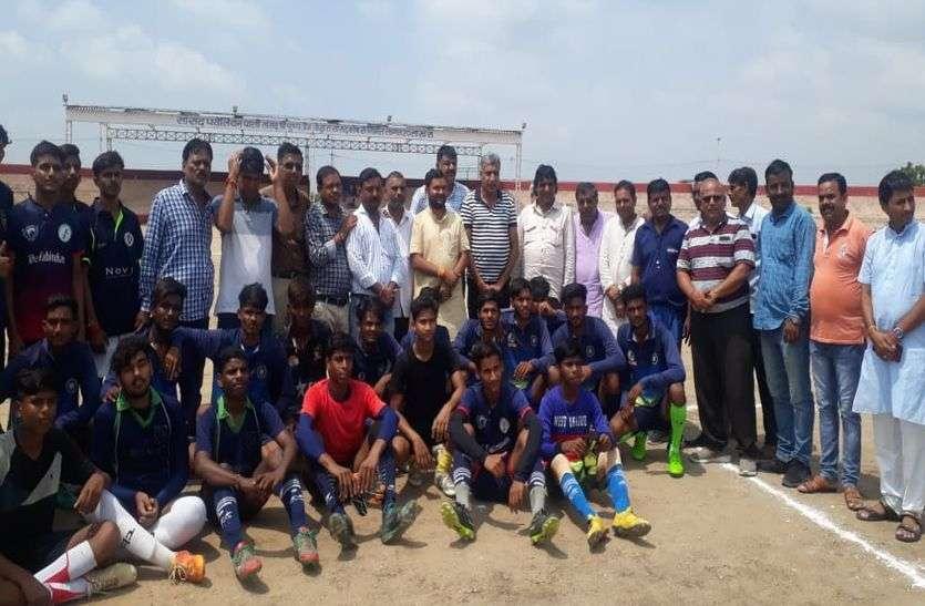 प्रतियोगिता; बाबरा टीम ने जीता उद्घाटन मैच
