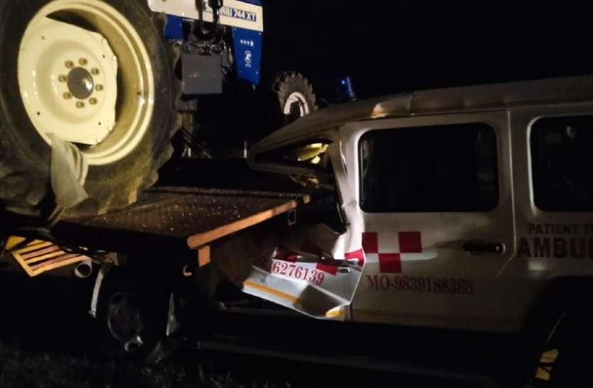 यमुना एक्सप्रेस-वे पर दर्दनाक हादसा, एम्बुलेंस चालक की मौत