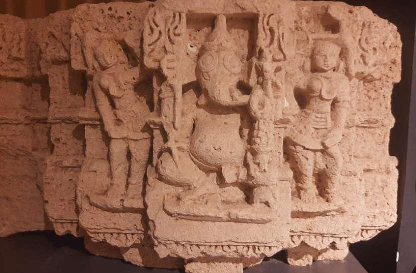 सोमनाथके संग्रहालय में भगवान गणपति परिवार की दुर्लभ शिल्पमूर्ति
