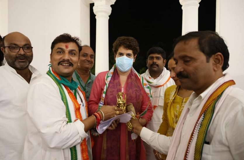 राहुल ने जम्मू में भरी हुंकार
