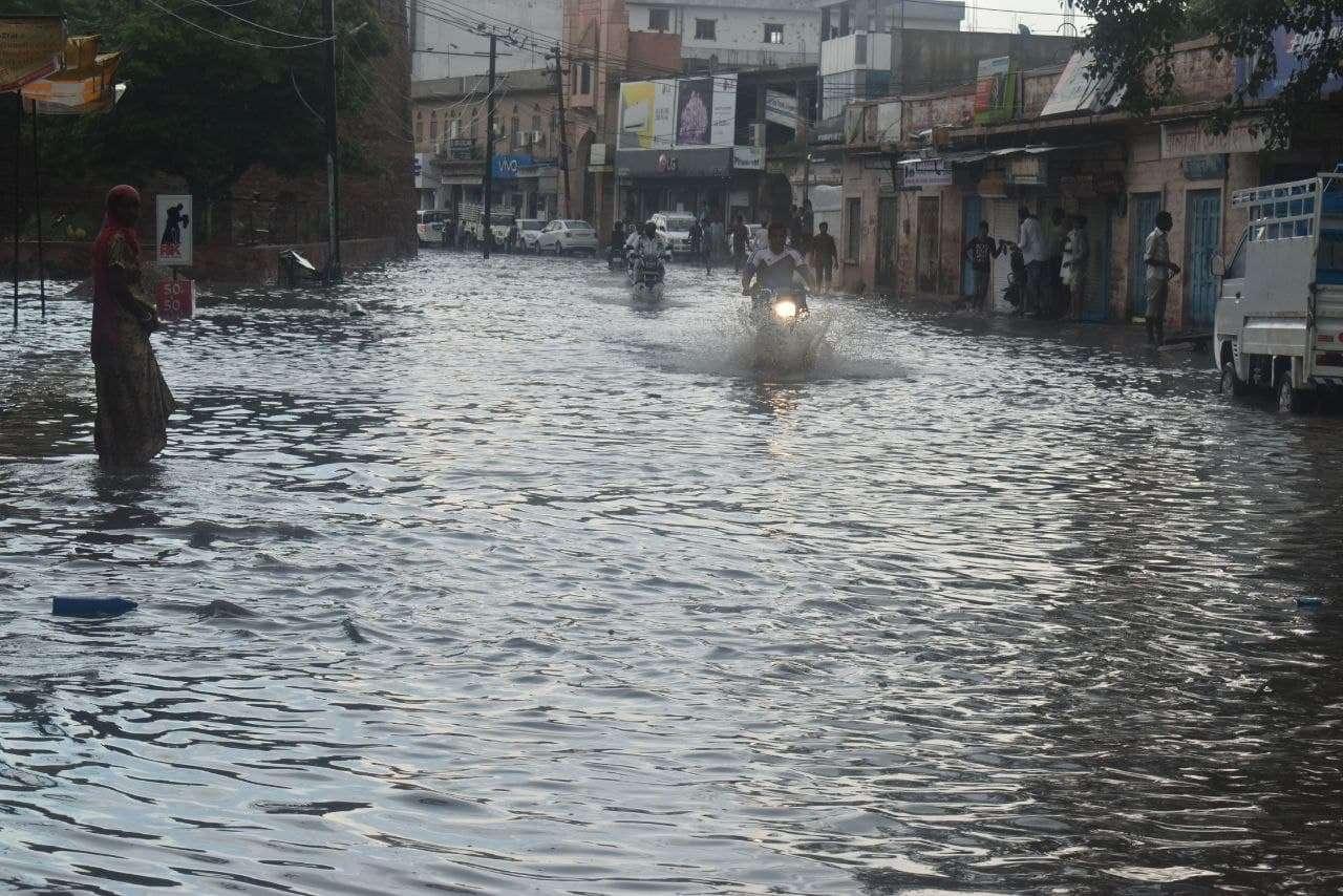 Rain in Khinvsar, Merta, Ladnun and Mundwa tehsils including Nagaur