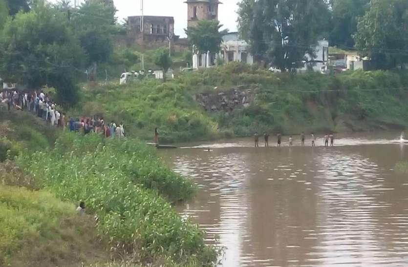 17 घंटे की मशक्कत के बाद रेड़वा नदी से निकाले जा सके किशोरों के शव