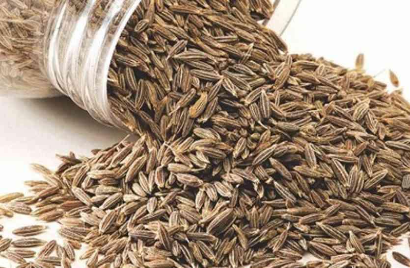 Spices For Acidity: एसिडिटी की समस्या से हैं परेशान तो कर सकते हैं इन मसालों का सेवन