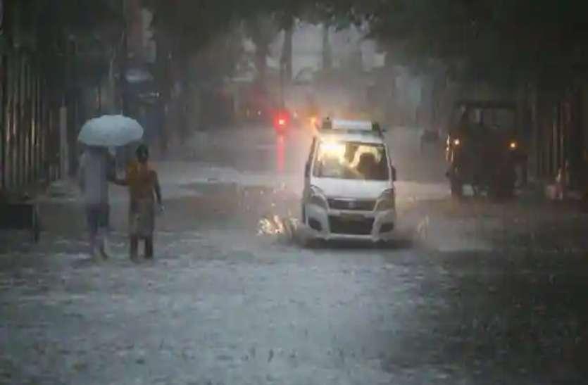 पूर्वी और पश्चिम में छिटपुट बारिश, जानिए अगले 24 घंटे में कैसा रहेगा मौसम, बृहस्पतिवार के लिए ऑरेंज अलर्ट जारी