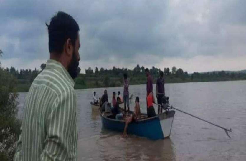 महाराष्ट्र: वर्धा नदी में नाव पलटने से 11 लोगों की डूबने से मौत! 3 लोगों के शव बरामद