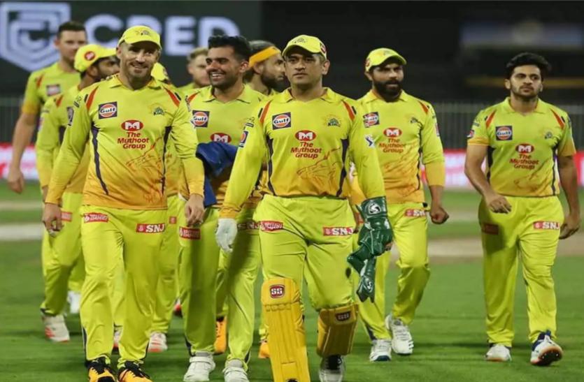 IPL 2021: दूसरे चरण से पहले बढ़ी धोनी की टेंशन, CSK का स्टार ओपनर हुआ चोटिल