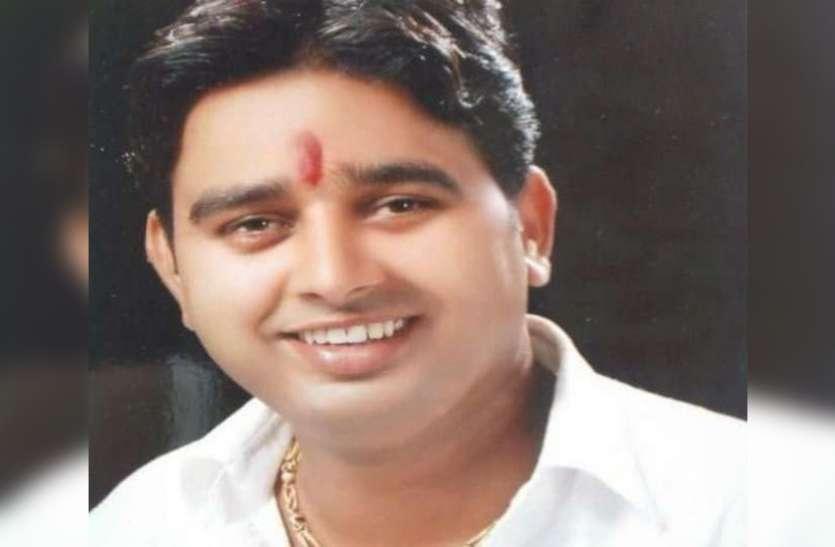 सपा कद्दावर नेता को हाईवे पर मारी गोली, खून से लथपथ हालत में खुद ही ऑटो में बैठकर पहुंचे अस्पताल