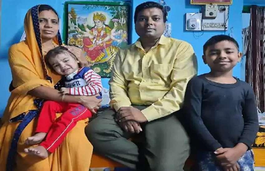 दुर्लभ बीमारी subglottic stenosis से पीड़ित रुद्रांश और माता-पिता, भाई