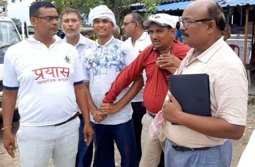 पूर्व प्रधान पति से 10 हजार रुपये घूस लेते सेक्रेटरी गिरफ्तार