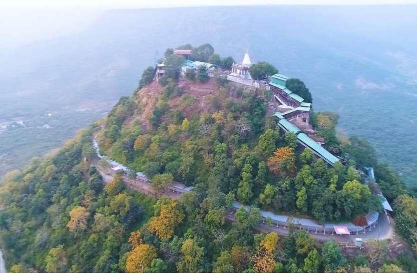 आकाशीय बिजली से सुरक्षित नहीं रह गया मां शारदा मंदिर, तड़ितचालक का ढाई लाख का तार चोरी