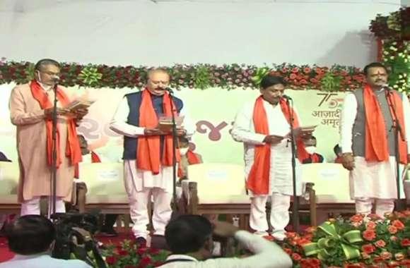 Gujarat New Cabinet: नए कैबिनेट में 24 मंत्रियों ने ली शपथ, निमा आचार्य बनाई गईं विधानसभा स्पीकर
