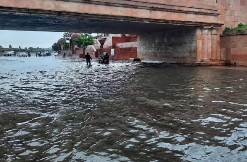 यूपी में बारिश से तबाही 35 की मौत, दो दिन और भारी बारिश का अलर्ट