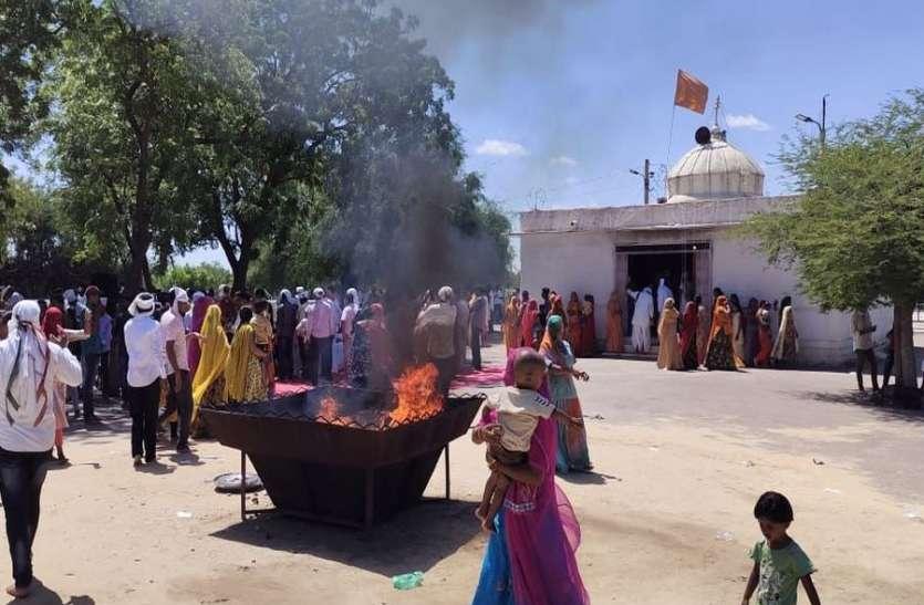 पेड़ों की रक्षार्थ शहीद 363 लोगों को नमन करने दिन भर लगा रहा तांता