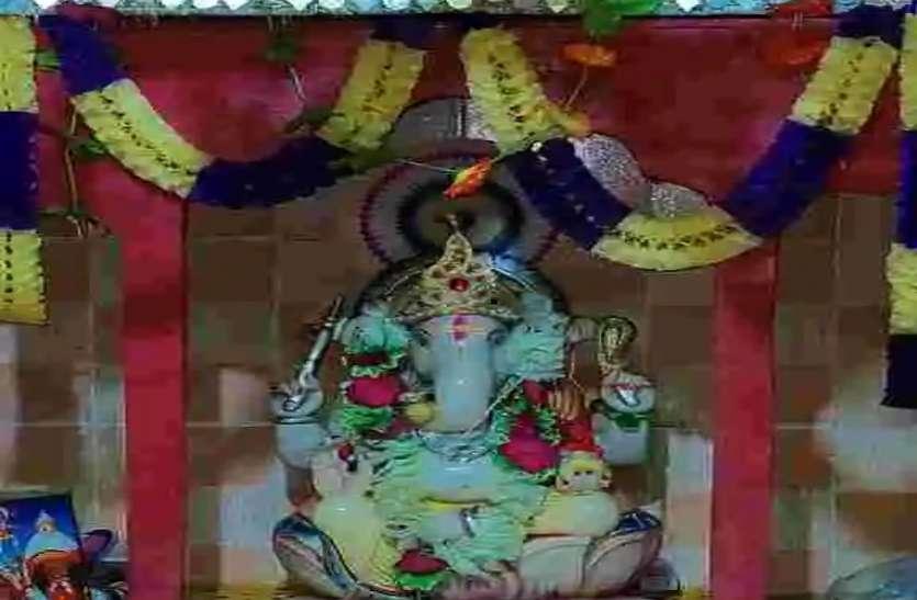 बेटे गणेश की मौत पर मिला था मुआवजा, पिता ने बनवा दिया भगवान गणेश का मंदिर