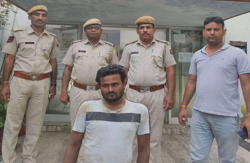 बल्कर चुराकर भाग रहा युवक गिरफ्तार, एक आरोपी फरार