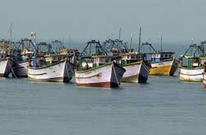 मछुआरों ने पुलिकट में प्रस्तावित निजी बंदरगाह के निर्माण का किया विरोध